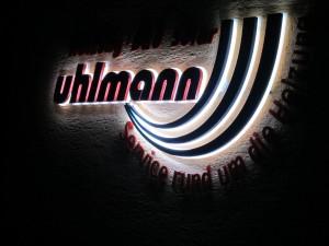 uhlmann bei Nacht